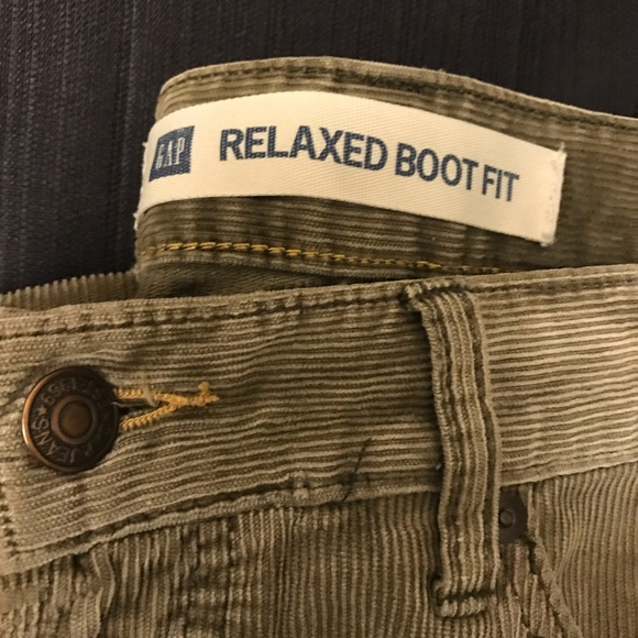 2019 real well known good texture GAP relaxed fit bootcut corduroy green men's pants